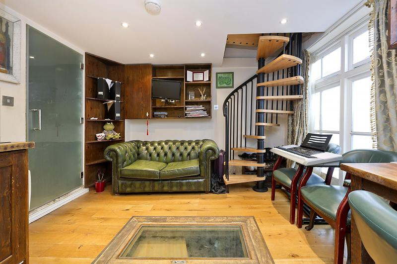 4 bedroom Notting Hill flat for sale - Stoneleigh Street, W11
