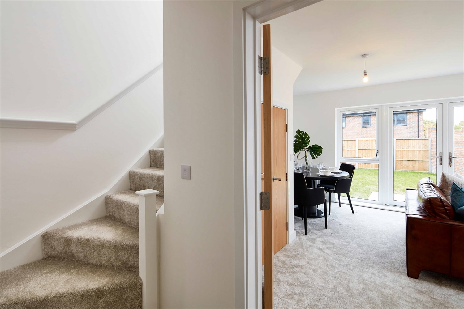 The Glade, 3 bed semi-detached, Waterman's Reach, Arborfield Green, RG2 9LS