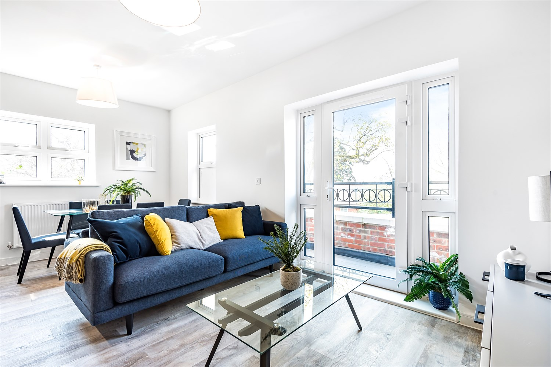Elizabeth House at Queens Acre - 2 bed apartment, Wokingham, RG41 1HY