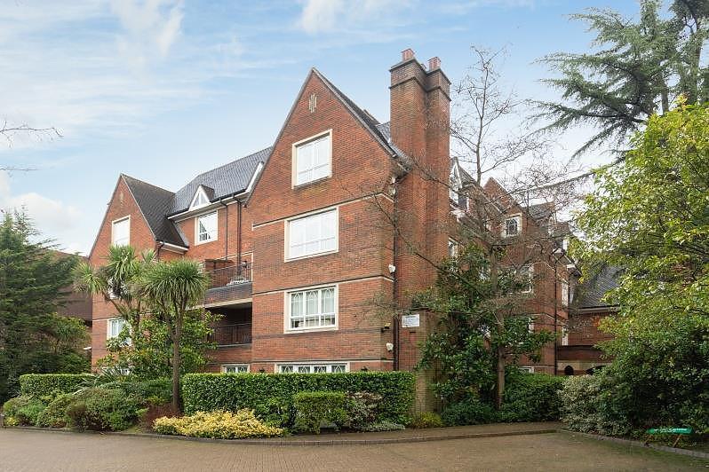 Oxford House, Parkside, SW19