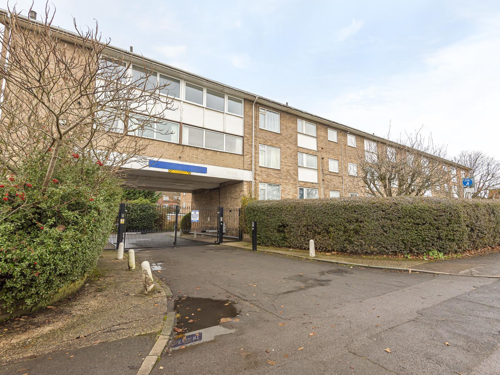 Old Kennels Court, Burghfield Road, Reading, RG30 3NS