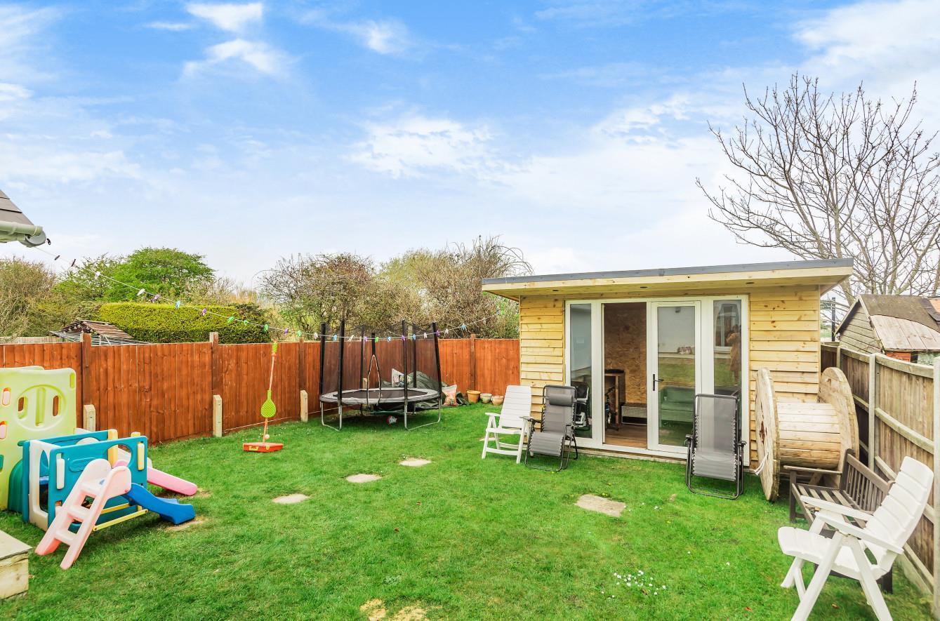 Garden & Summer House
