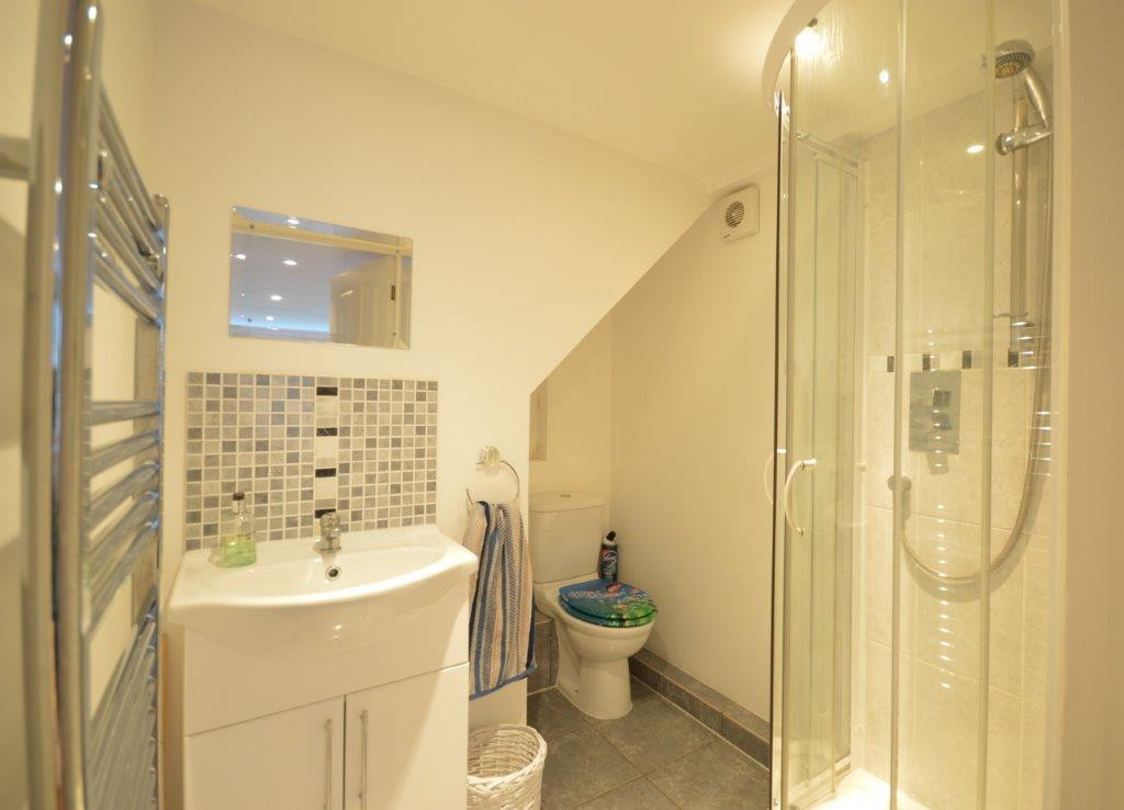Annexe shower