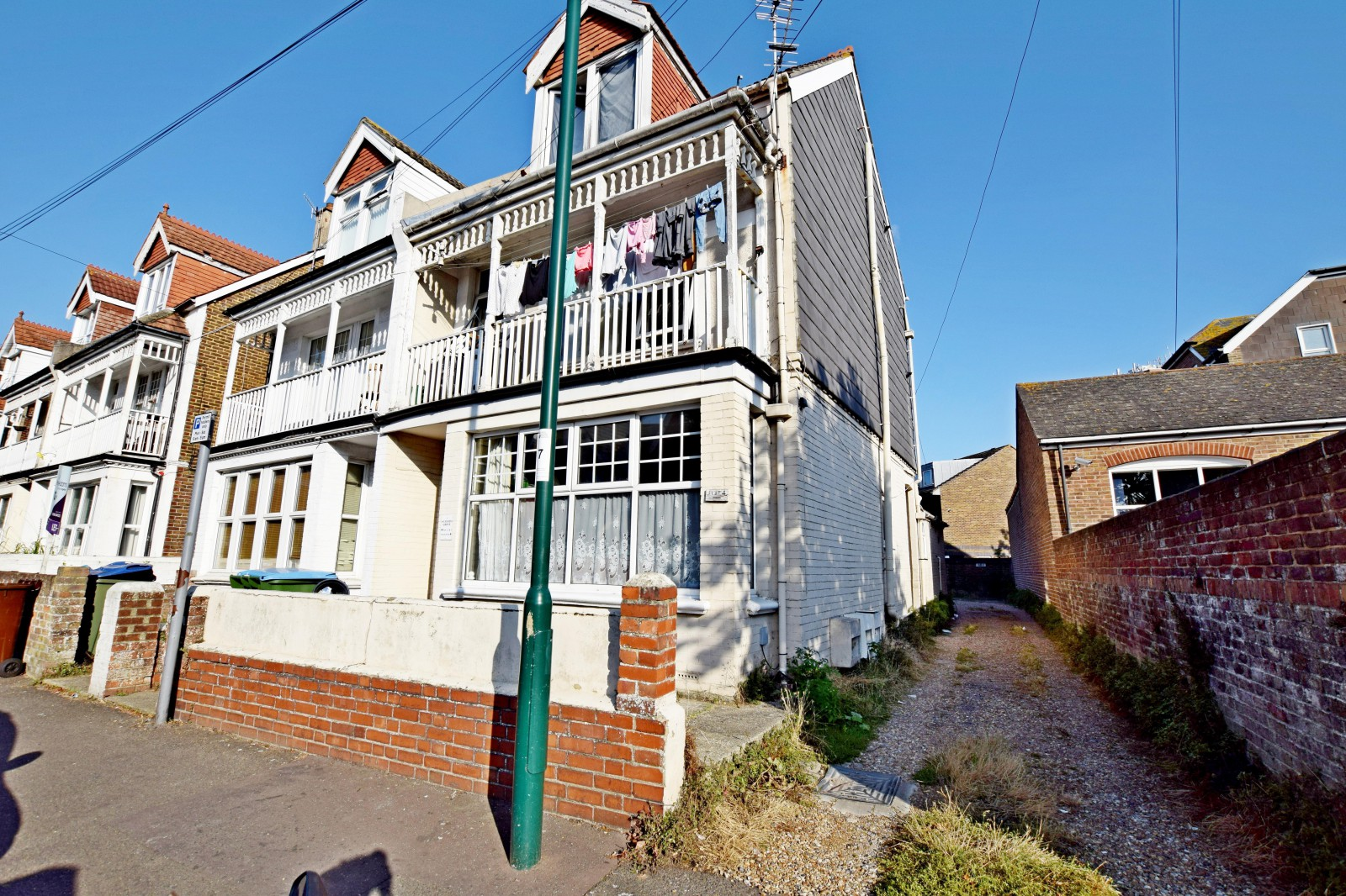 1 bed property (Main)