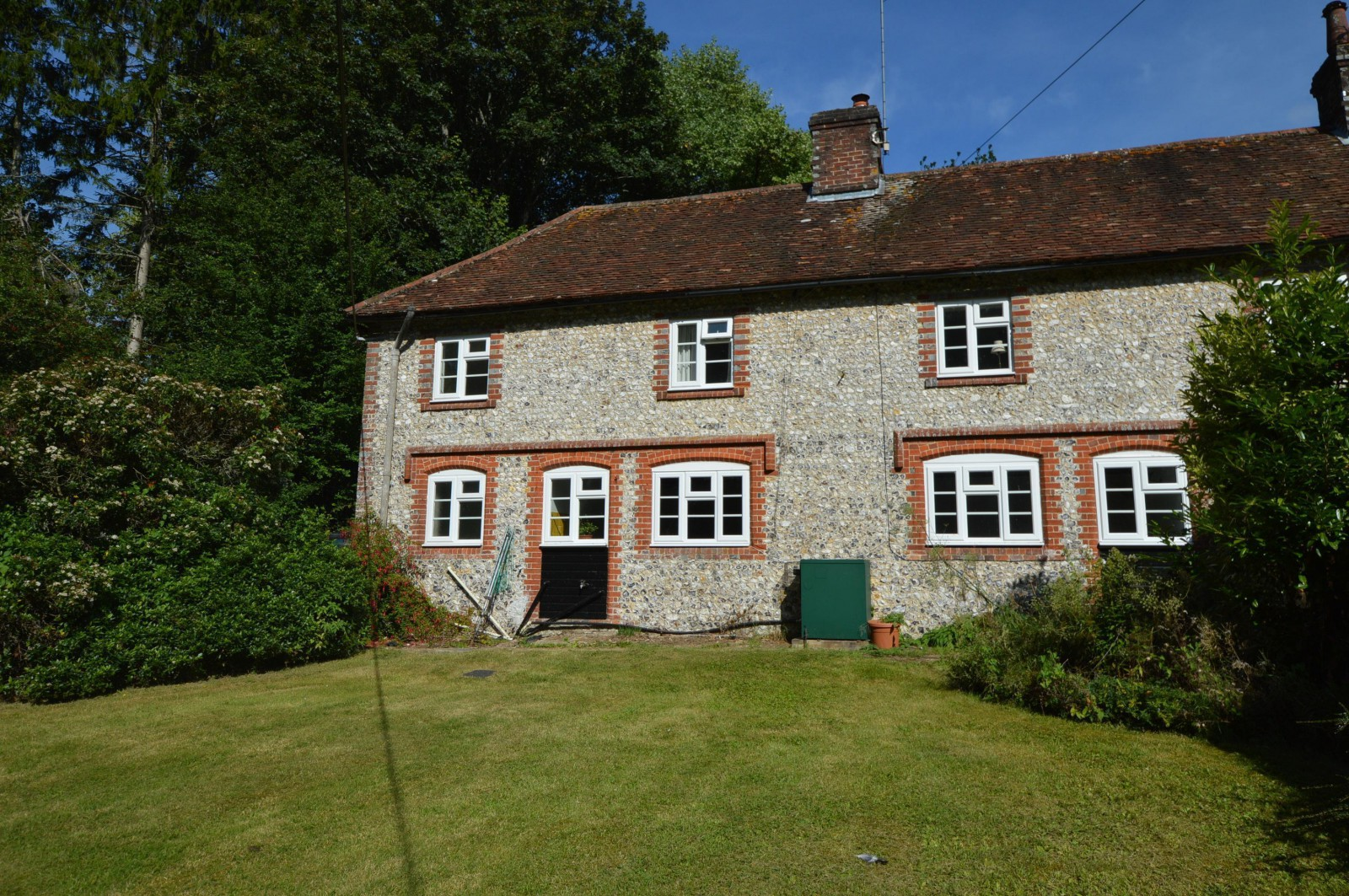 Rear Property to let in West Meon (Main)