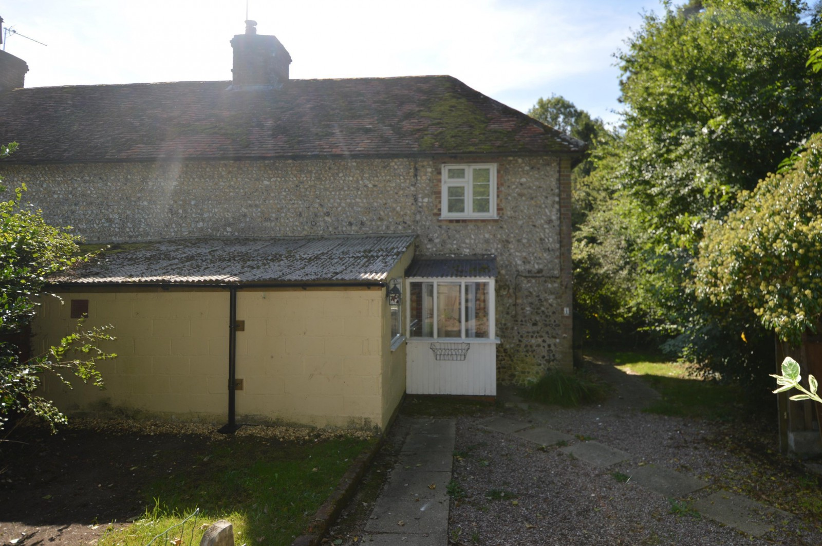 Front Property to let in West Meon