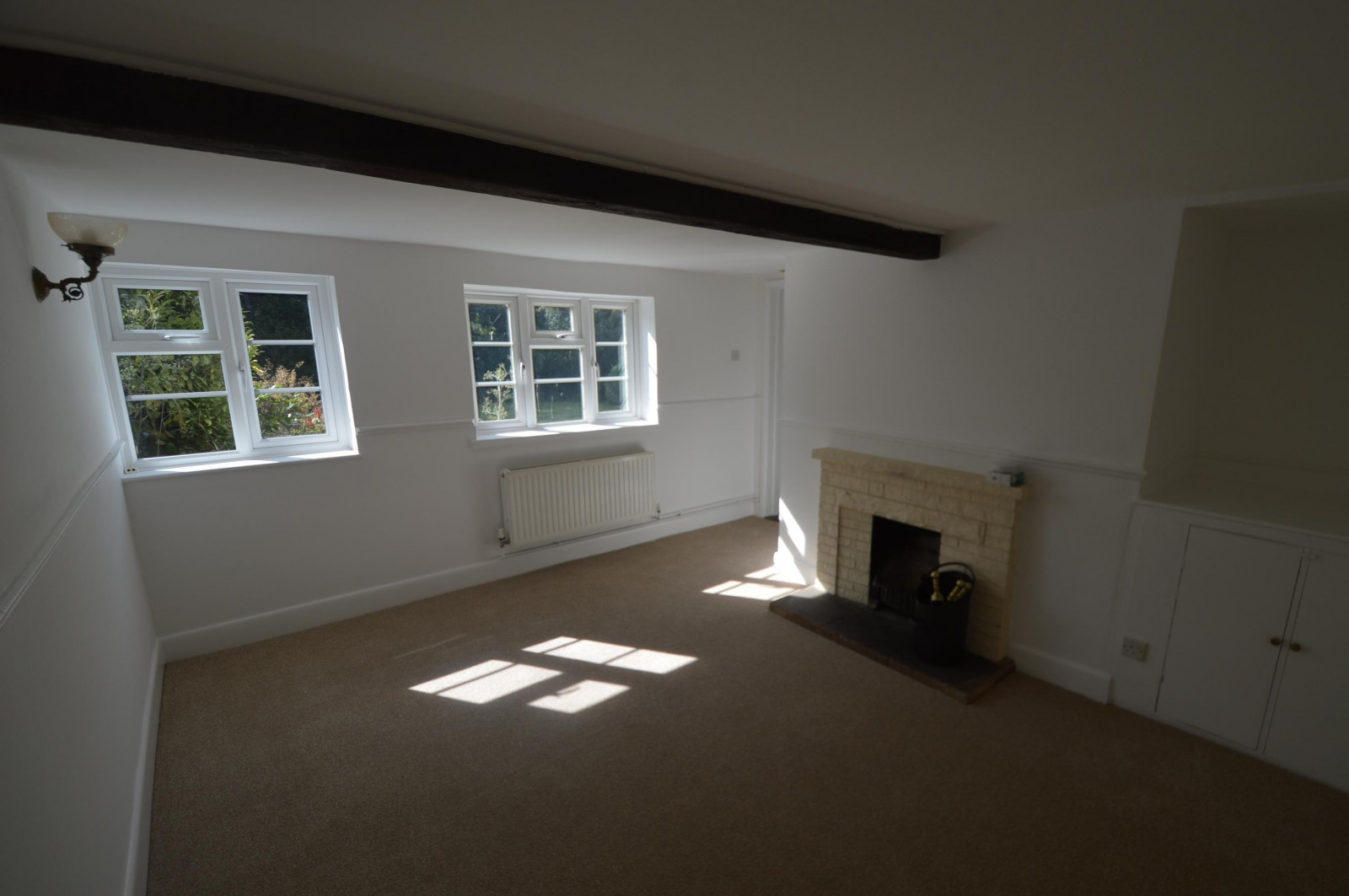 Lounge Property to let in West Meon