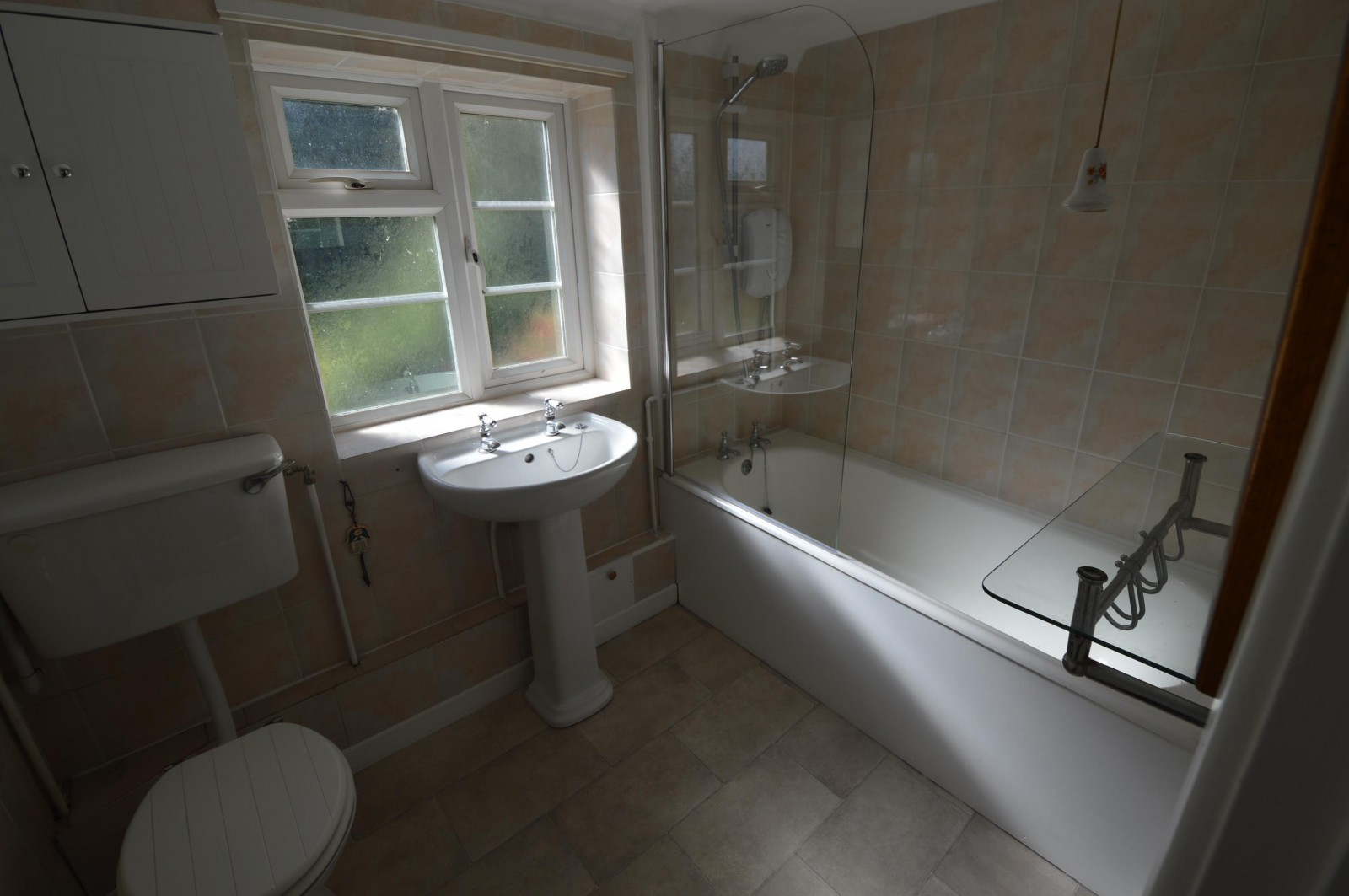 Bathroom Property to let in West Meon