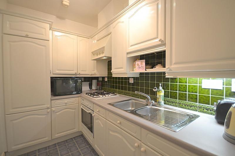 Flat to rent in Chichester Kitchen