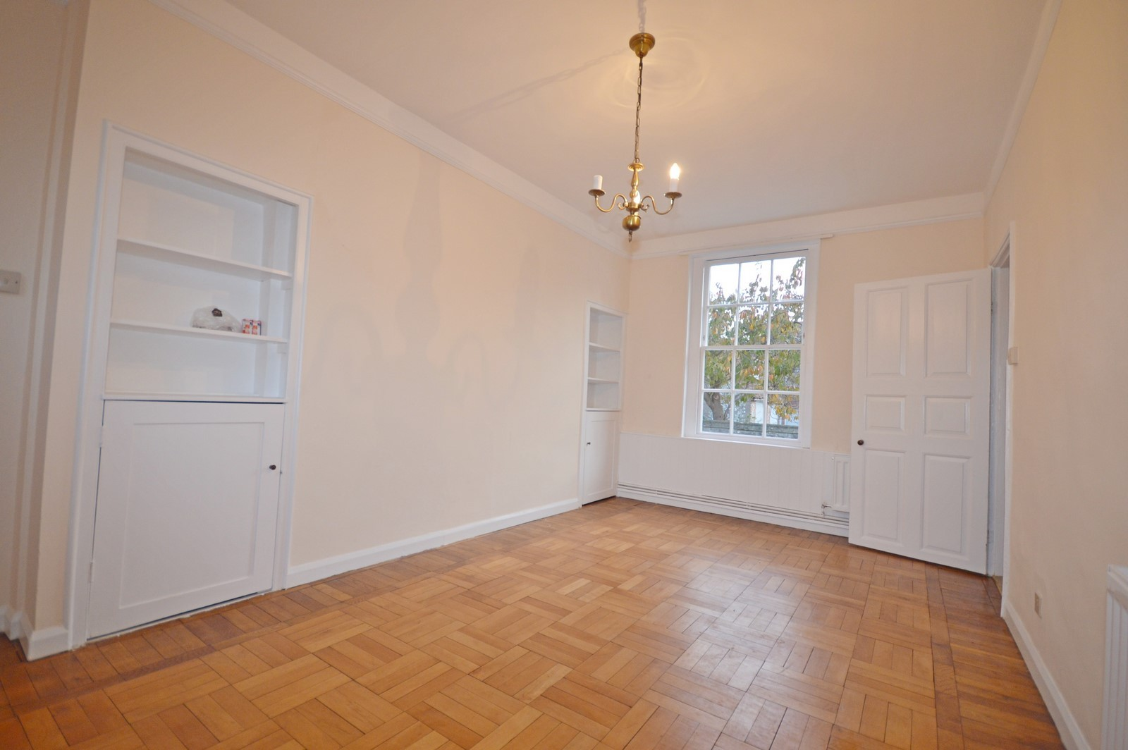 Dining room House to rent in Chichester City Centre