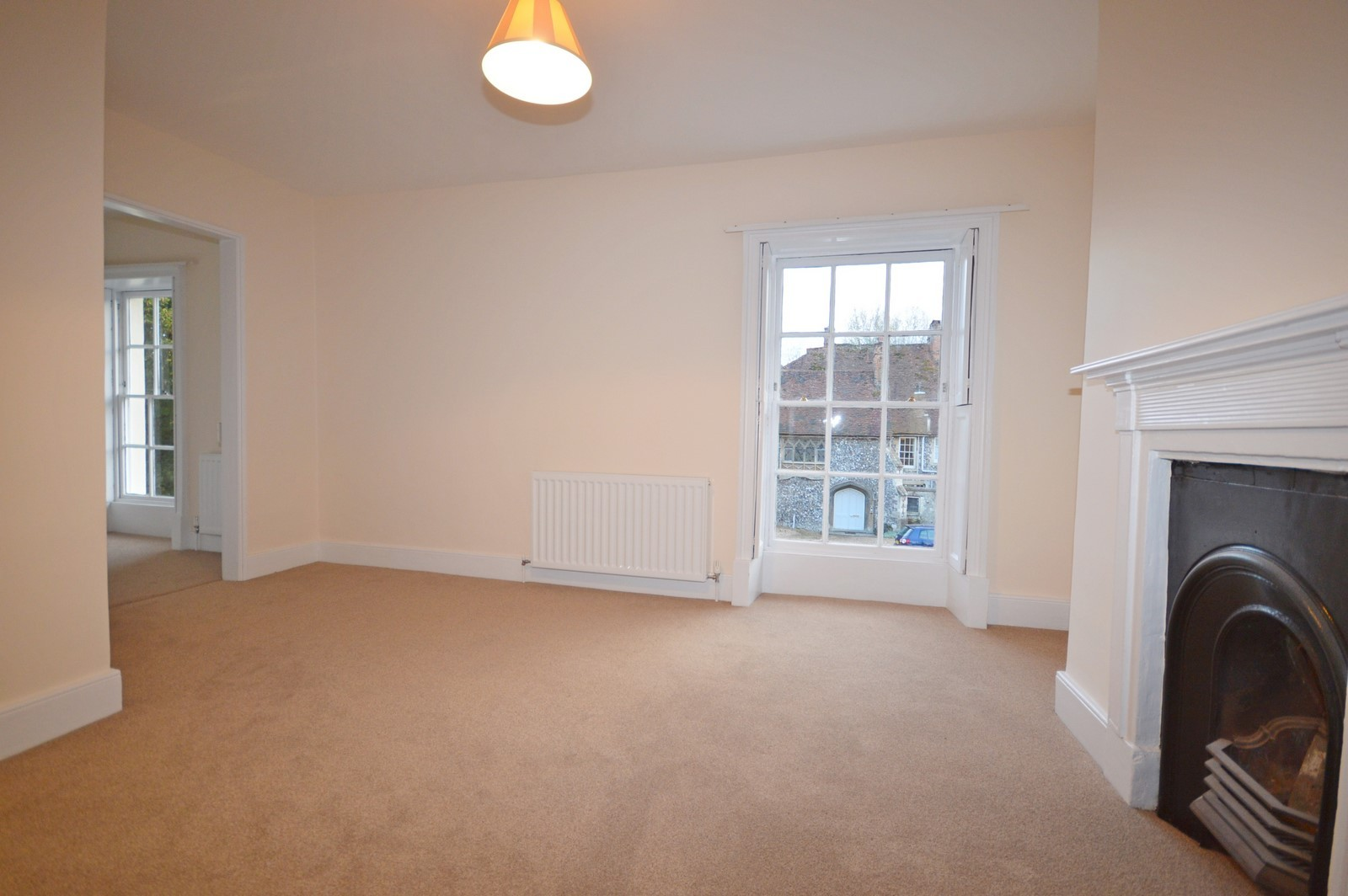 Master Bedroom House to rent in Chichester City Centre