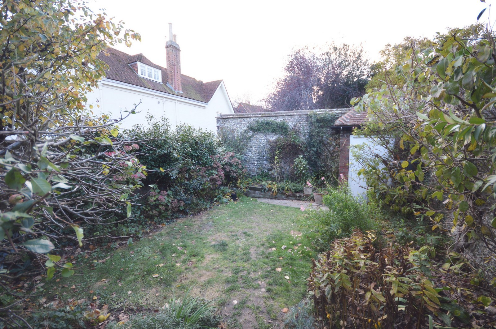 Garden House to rent in Chichester City Centre