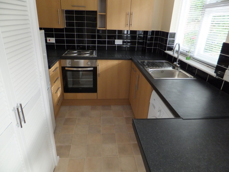 Kitchen Studio flat to rent in Petersfield