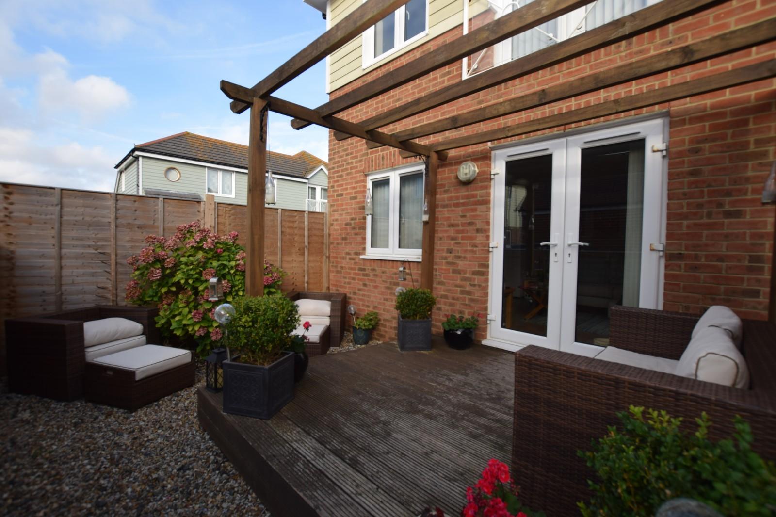 Ground floor flat to rent  (Main)