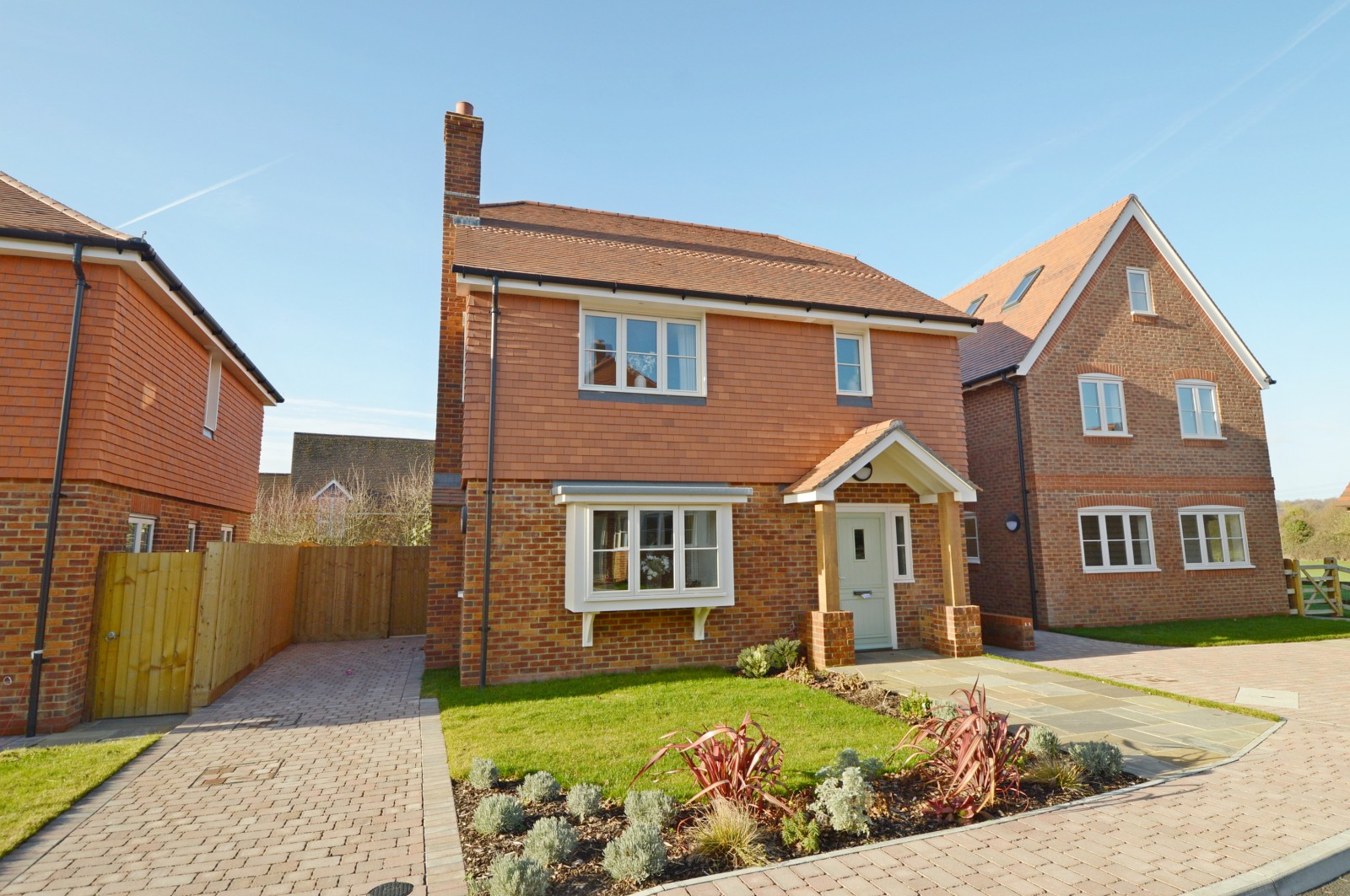 Front Property to let in Ropley (Main)