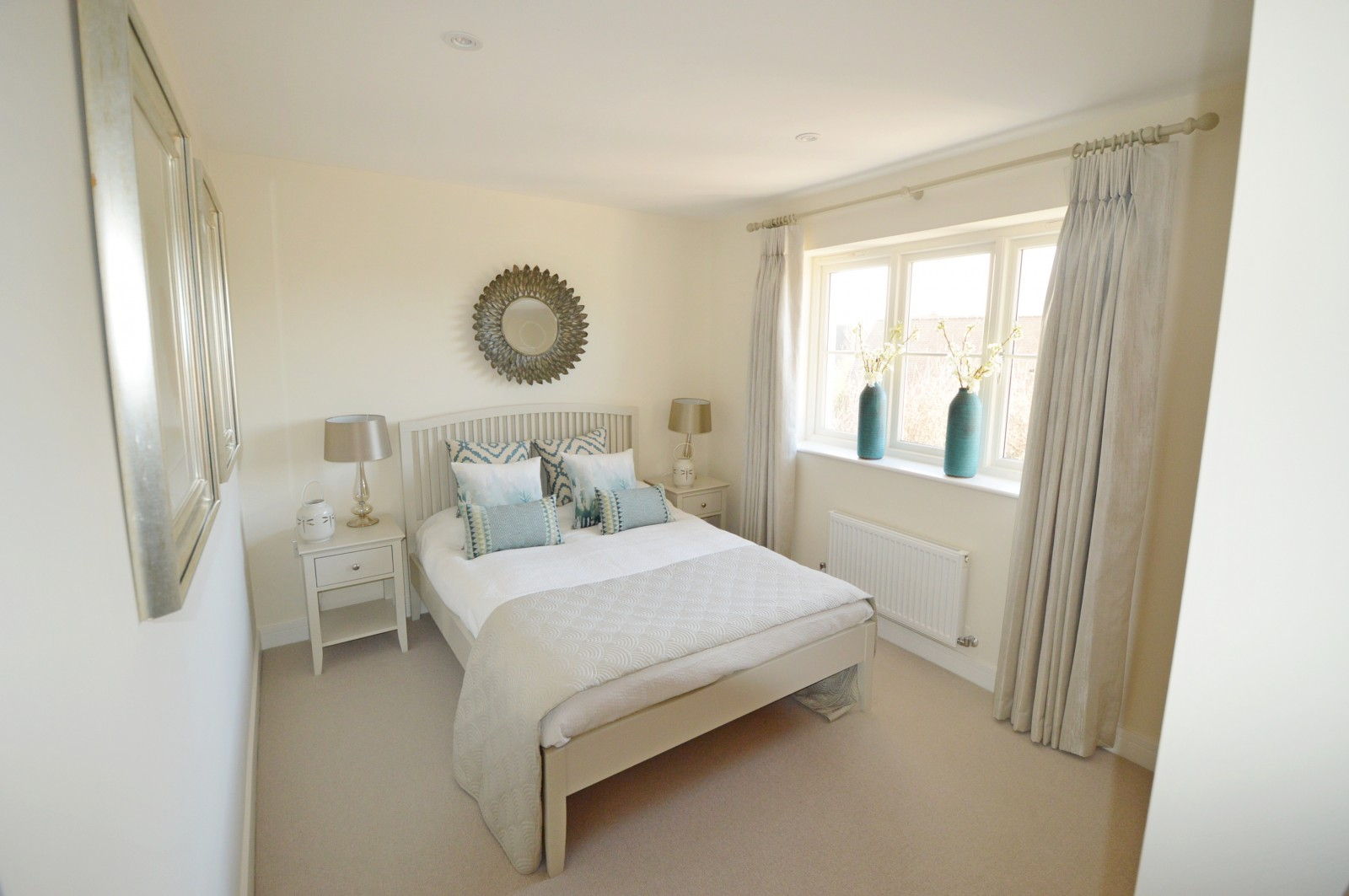Bedroom 2 Property to let in Ropley
