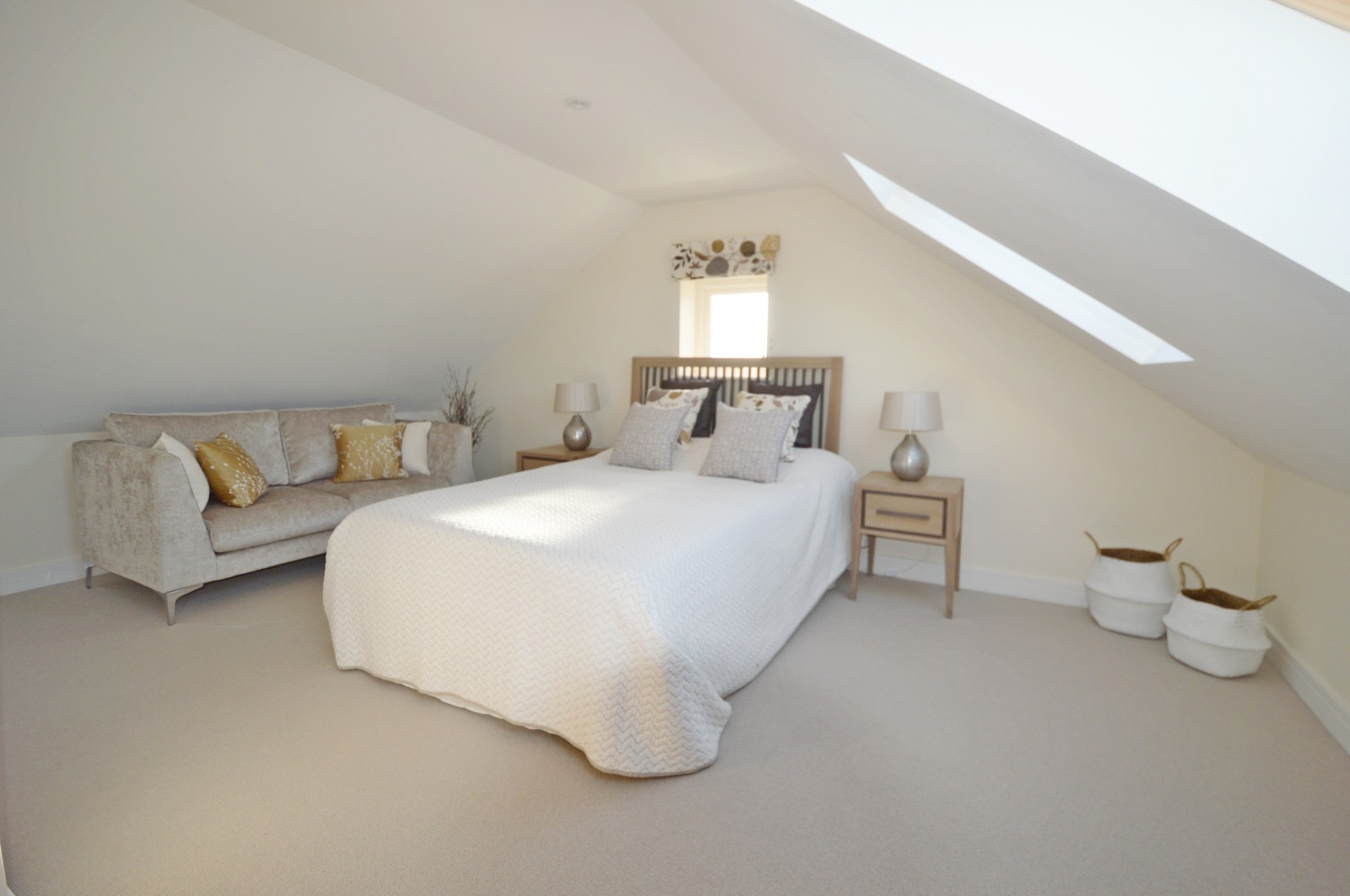 Bedroom 4 Property to let in Ropley