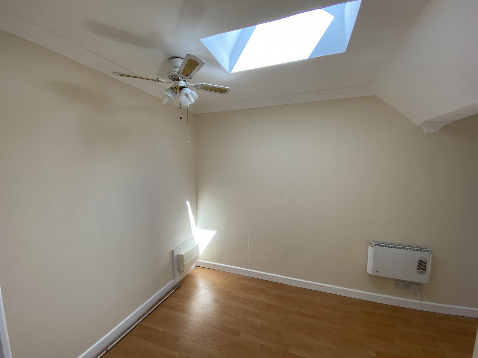 Bedroom Flat to rent in Bognor Regis