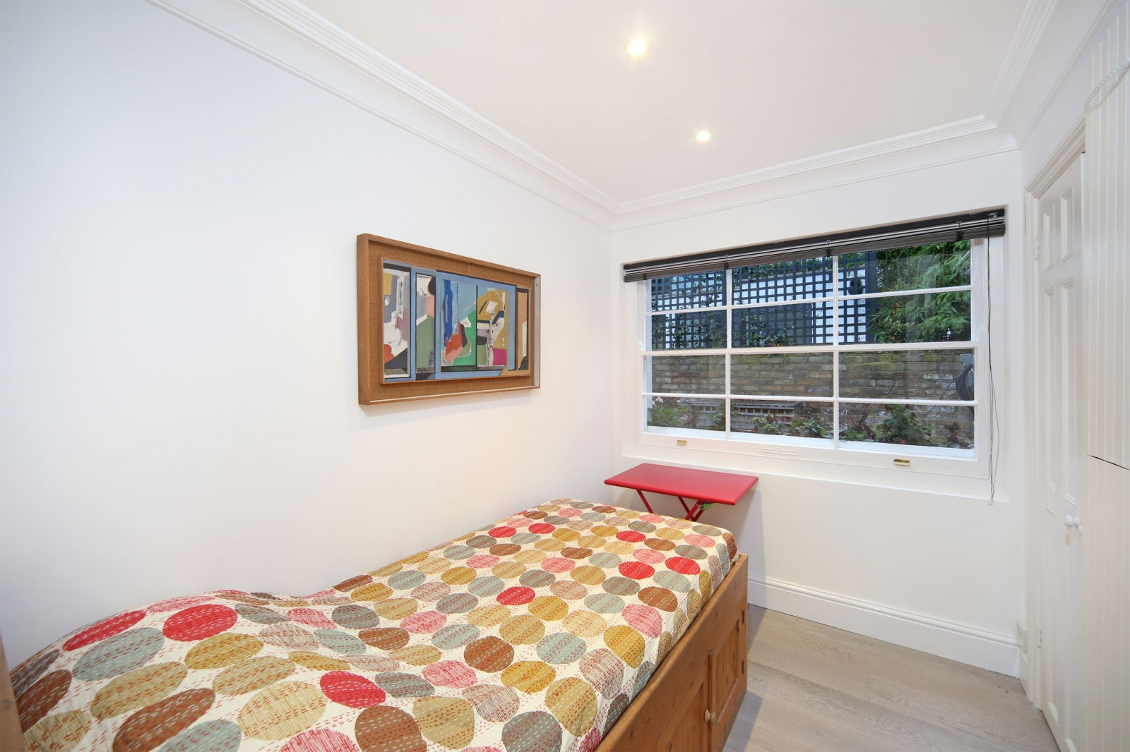 3 bedroom Notting Hill flat to rent - Ledbury Road, W11