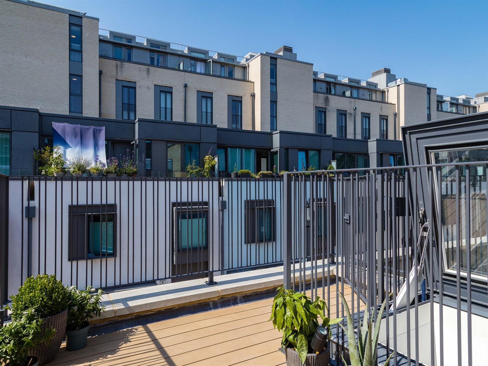 2 bedroom North Kensington flat for sale - Munro Mews, W10