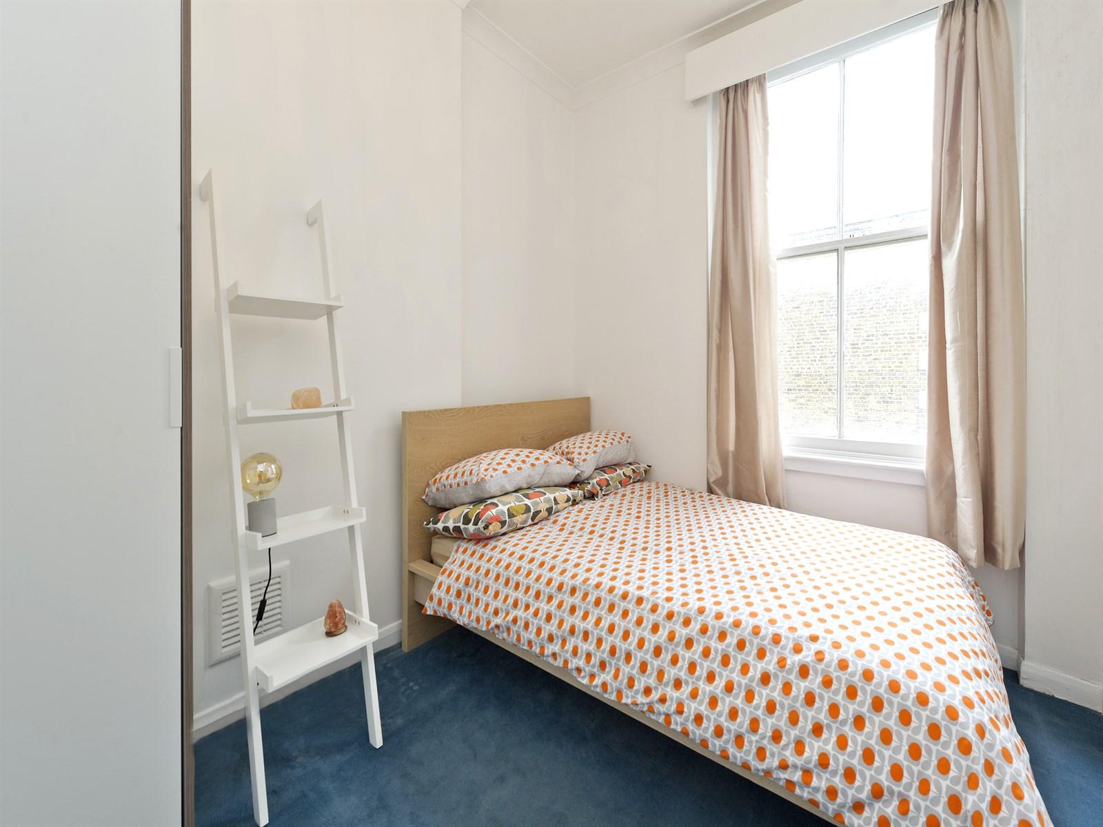 2 bedroom North Kensington flat for sale - Ladbroke Grove, W10
